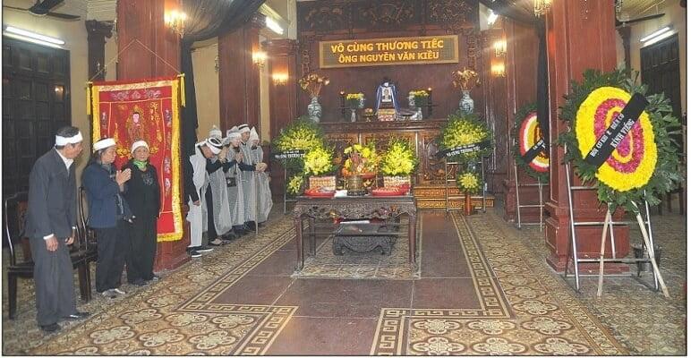 Nhà Tang Lễ Phùng Hưng Tổ Chức Lễ Viếng Người Mất