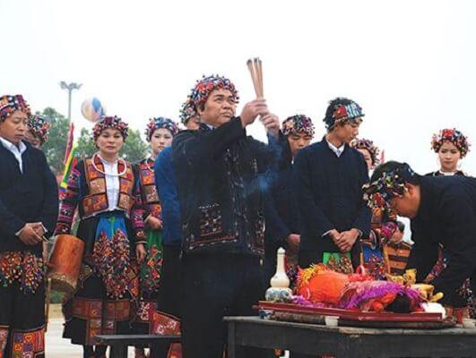 phong tục cúng gà của một số dân tộc việt nam