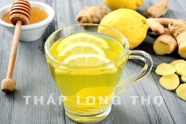 uống trà gừng trước khi đi đám ma để tránh nhiễm lạnh